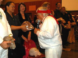 Kirby Seid receiving his blessing from Humbatz, carolyn and Einstein just received theirs